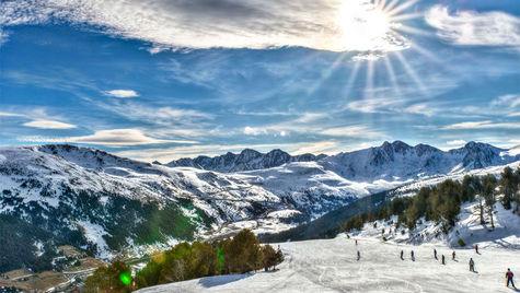Testa skatteparadiset Andorra för din skidsemester i vinter.