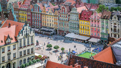 Det färgglada torget i Wroclaw, Polen.