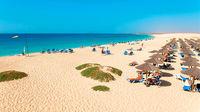 Hotellpärlor längs stranden på Kap Verde