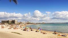 Palma har flera stränder, både mitt i stan och lite utanför.