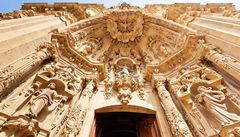 Basilica Santa Maria del Coro i gamla stan.