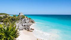 Tulum lockar många kärlekspar. Här får du strand och mayaruiner i ett.